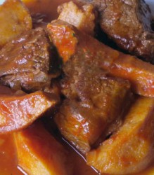 Γιαχνί με πρόβειο κρέας
